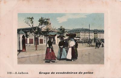 Postal antigo Lisboa - Grupo de vendedeiras de peixe
