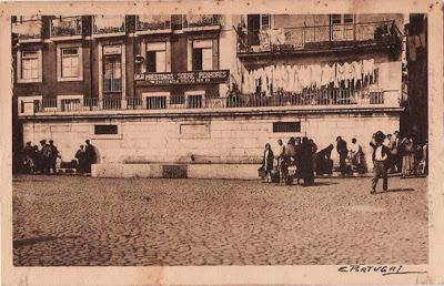 Postal antigo de Alfama, Lisboa - Chafariz dos Cavalos ou Chafariz de Dentro