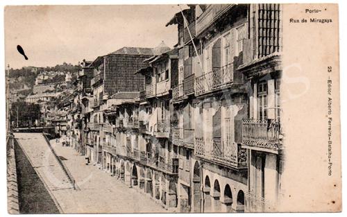 Postal antigo do Porto - Rua de Miragaia. Edição Alberto Ferreira.