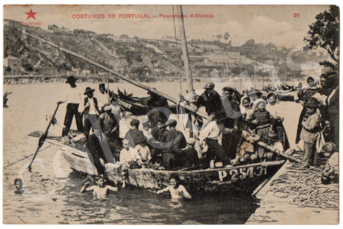 Postal antigo Costumes de Portugal - Pescadores da Afurada. Edição Estrela Vermelha
