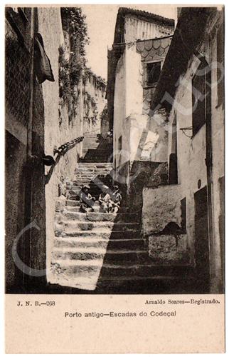 Postal antigo do Porto antigo – Escadas do Codeçal. Edição Arnaldo Soares