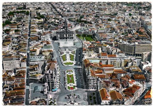 Postal antigo Porto – Vista parcial e Avenida dos Aliados, vista aérea
