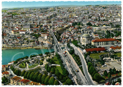 Postal antigo Porto – Vista parcial e Mosteiro da Serra do Pilar, vista aérea