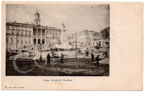 Postal antigo do Porto Praça Infante D.Henrique. Edição Emílio Biel