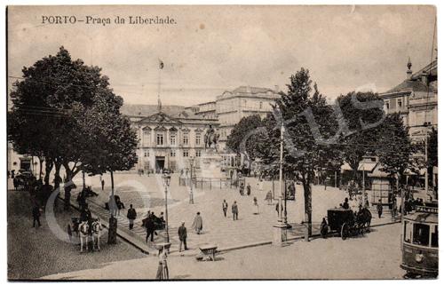 Postal antigo do Porto – Praça da Liberdade. Edição Grandes Armazéns Hermínios