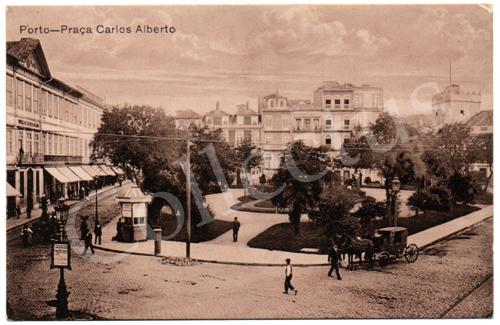 Postal antigo do Porto – Praça Carlos Alberto. Edição Grandes Armazéns Hermínios
