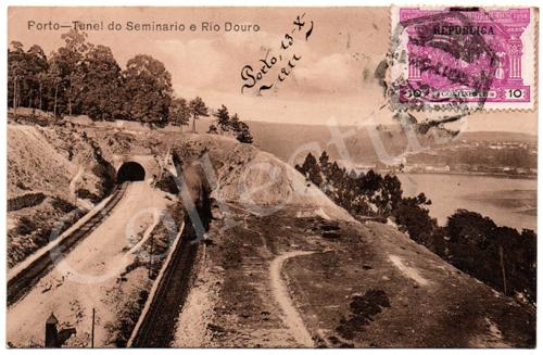 Postal antigo do Porto – Túnel do Seminário e Rio Douro. Edição dos Grandes Armazéns Hermínios