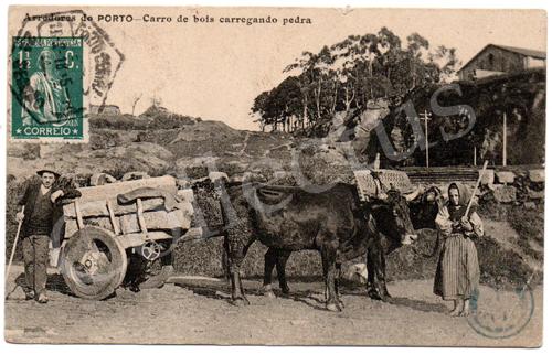 Postal antigo Arredores do Porto –Carro de bois carregando pedra