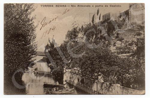 Postal antigo de Torres Novas - Rio Almonda e parte do castelo