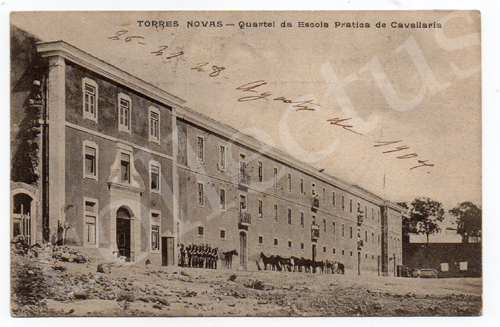 Postal antigo de Torres Novas - Quartel da Escola Prática de Cavalaria