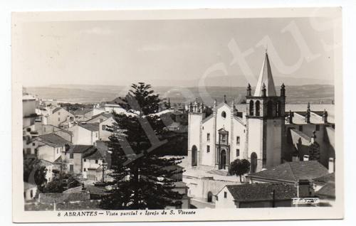 Postal antigo de Abrantes - Vista parcial e igreja de S.Vicente