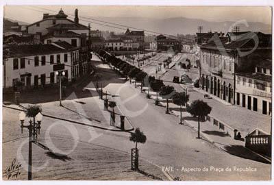 Postal antigo de Fafe - Aspecto da Praça da República
