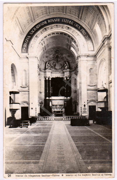Postal antigo do Interior da Majestosa Basílica - Fátima